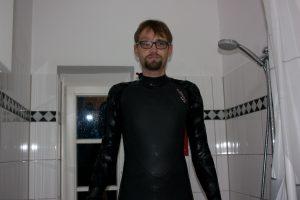 Skipper Marcus Segeln Neoprenanzug Test kalte Dusche